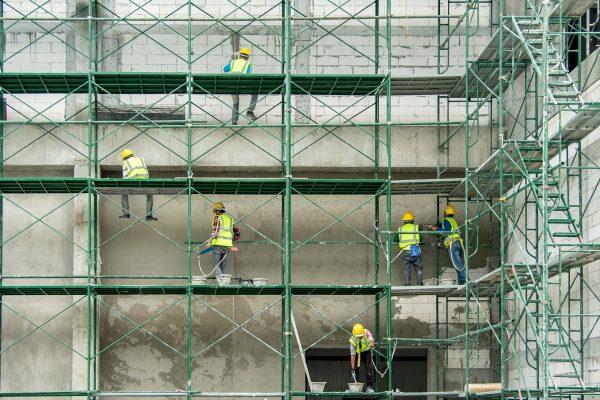 Robotnicy na rusztowaniu